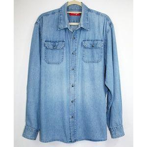 🆕️ Wrangler Denim Button Up Shirt
